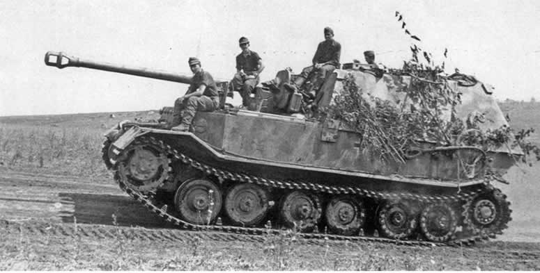 ferdinand tank avcısı savaşta